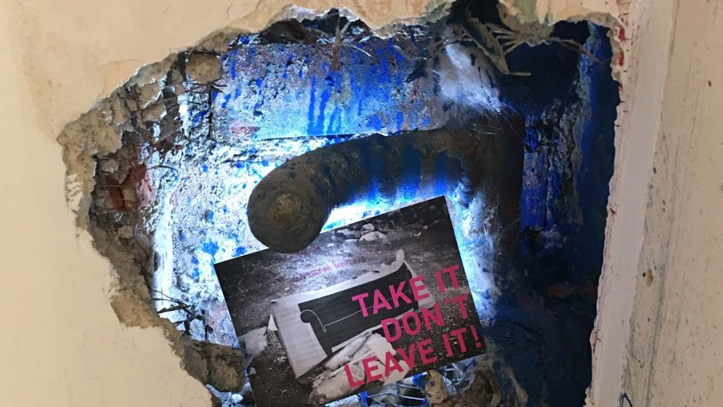 Vernissage - NULLSERIE - Take it - don't leave it!